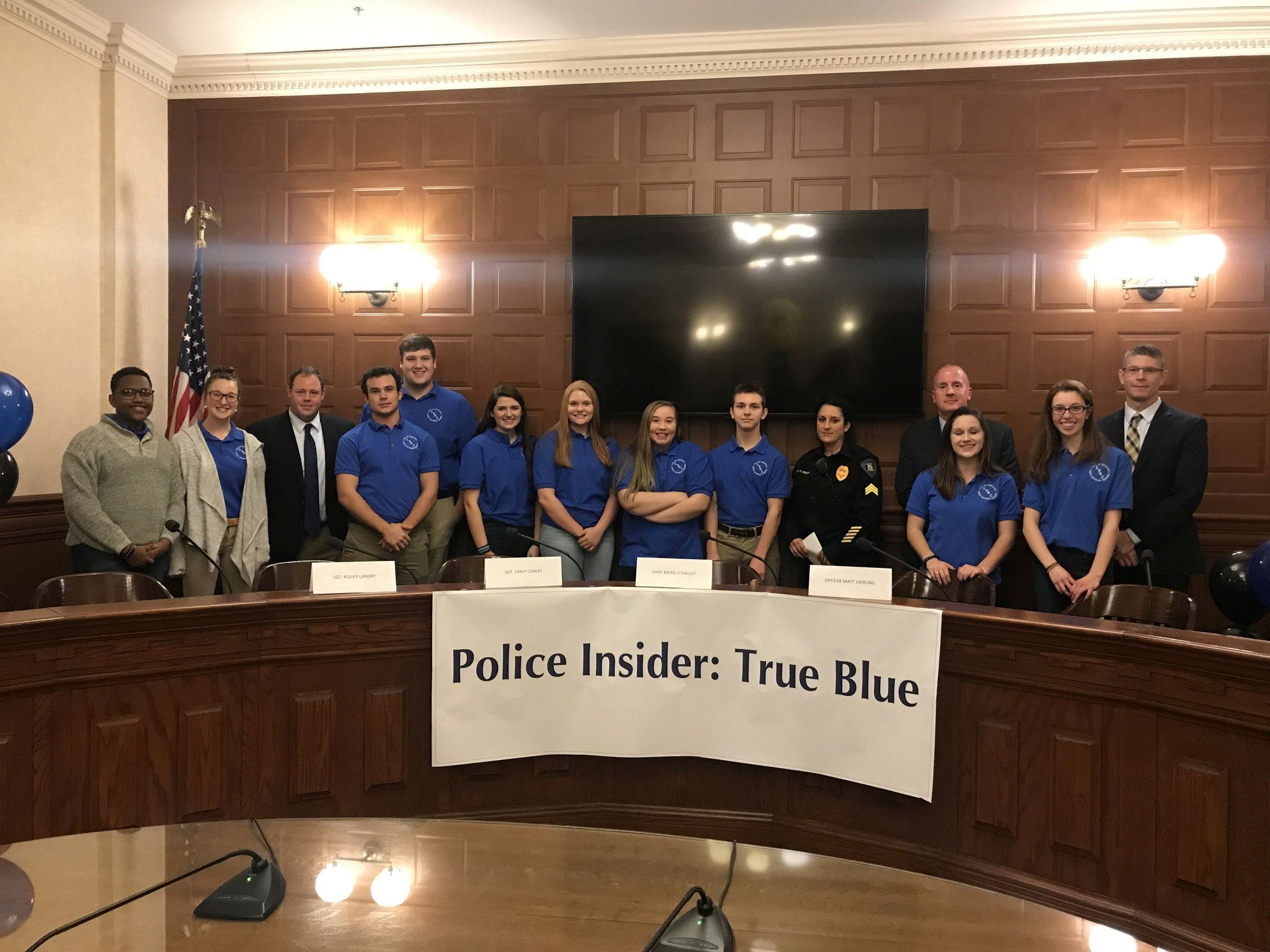 LYAC - TRUE BLUE - GROUP PIC WITH POLICE